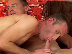 Gay Bareback Scott and David mature gay fuck