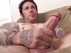 Tattooed musician Johnny Starr has a dirty gullet and mind to match. This chab finds lots of pussy on MySpace for his vast meat. Johnny W uses his gullet pussy on it to completion.
